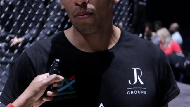 Gaël Grimaud champion des -84 kgs de la nouvelle organisation «Hexagone MMA».